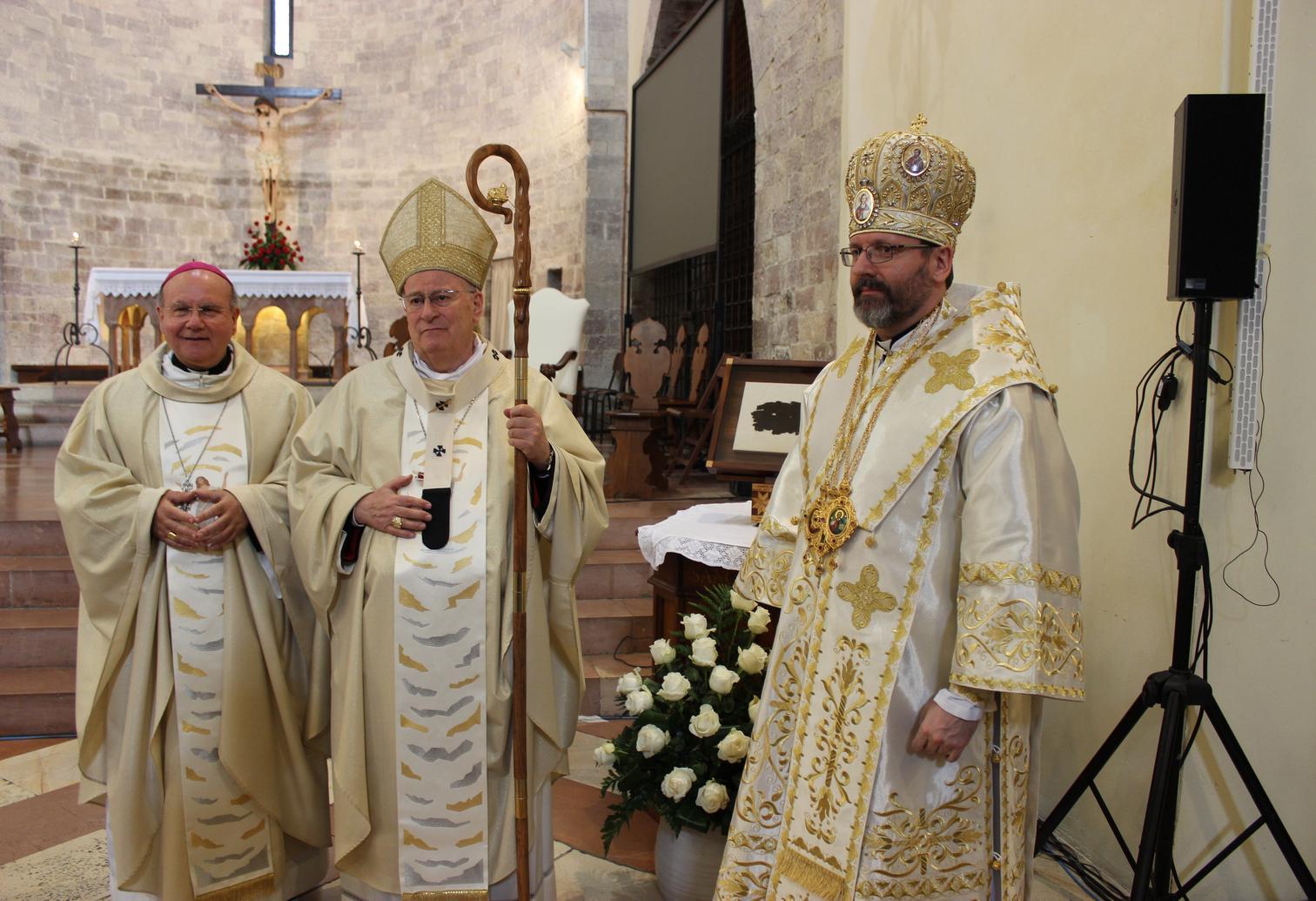 Don fabio rosini incanta i fedeli al santuario della - La tavola rotonda assisi ...