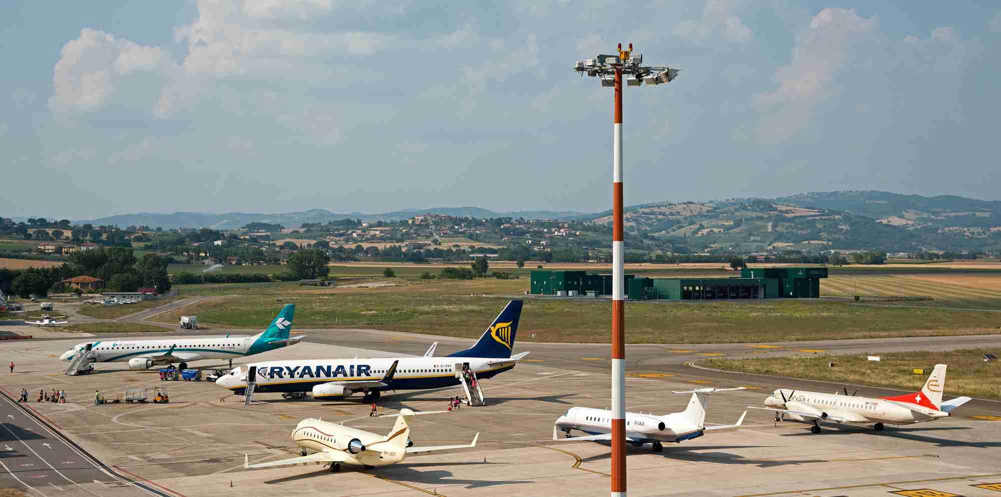 Aeroporto Italia : Aeroporto dell umbria a luglio il miglior risultato