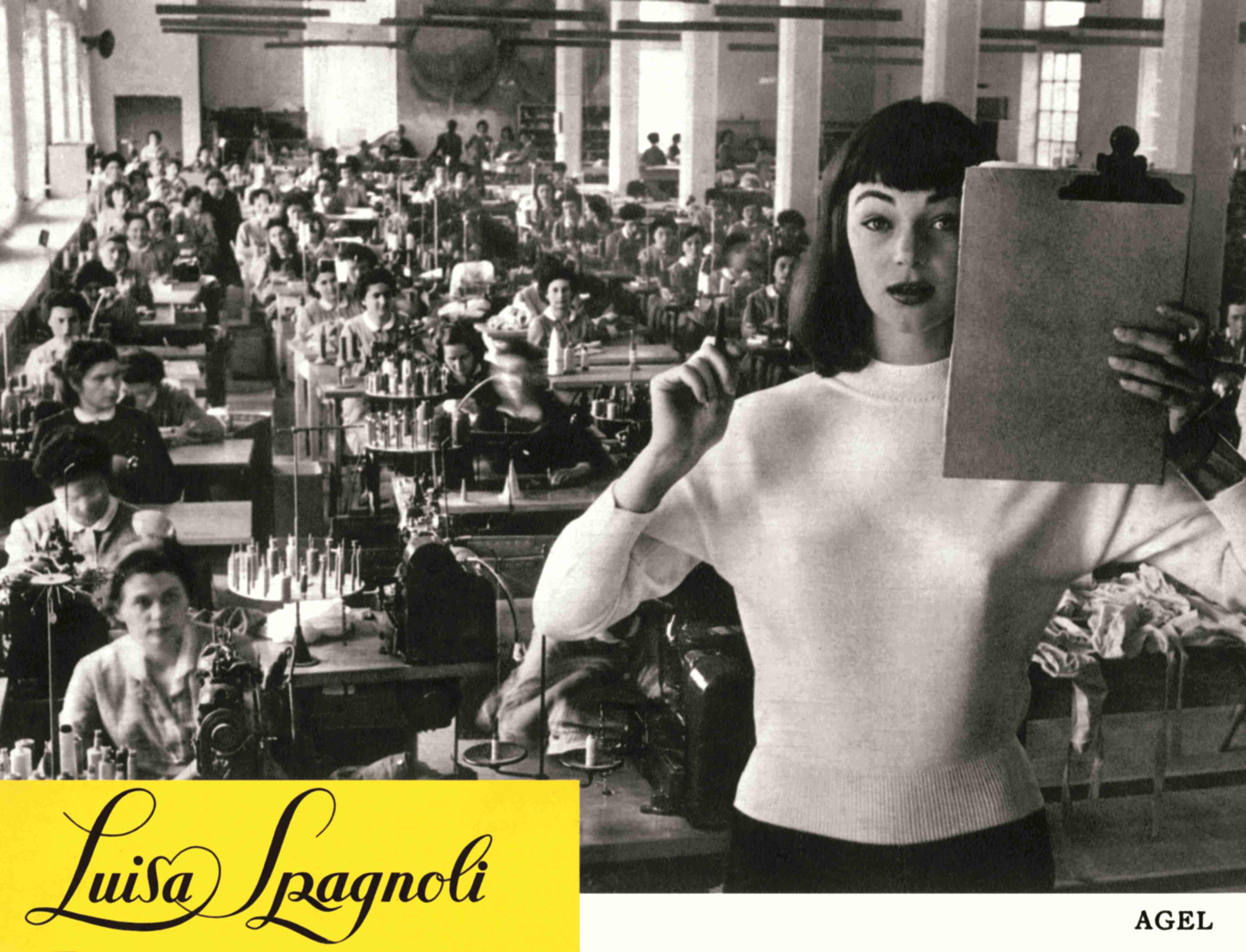 38 Ivy Nicholson in un servizio fotografico scattato allinterno dello  stabilimento Luisa Spagnoli nel 81ab225bacc